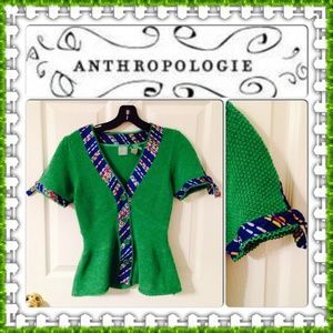🎉 SALE🎉Host Pick💖 Green peplum knit top! Anthro